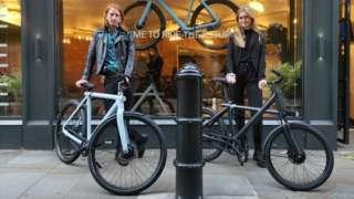 Leigh Richards and Hannah Maersk