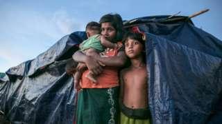 ရိုဟင်ဂျာ၊ ဘင်္ဂလားဒေ့ရှ်၊ ဒုက္ခသည်စခန်း၊ ဘာရှန်ချားကျွန်း