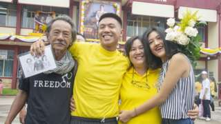 Jatupat Boonpattararaksa with his family