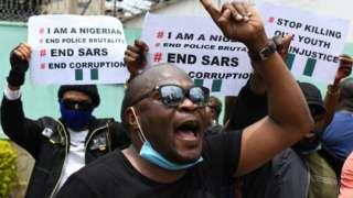 케냐 나이로비 나이지리아 대사관 앞에서도 #EndSARS 시위가 진행됐다