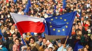 Протесты прошли более чем в 100 польских городах