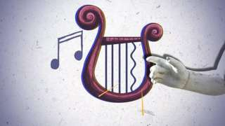 Mano tocando cuerda de lira