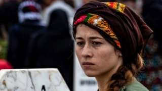 Kurdish woman at funeral of SDF fighters in Ras al-Ain (24/10/19)