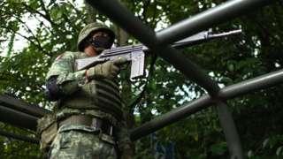 Militar en la zona del ataque al jefe de policía de CDMX
