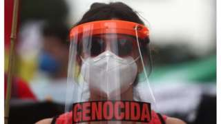 Manifestante contra Jair Bolsonaro no Rio de Janeiro, 19 de junho de 2021