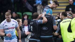Glasgow Warriors celebrate DTH Van der Merwe's opening try