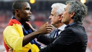 Samuel Eto'o na Jose Mourinho batsindiyi ibikombe bitatu bari kumwe muri Inter Milan mu 2010, harimwi na Champions League