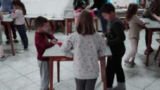 деца праве колаче