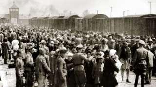 Judeus húngaros chegam a Auschwitz em junho de 1944