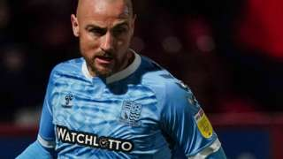Alan McCormack in action for Southend