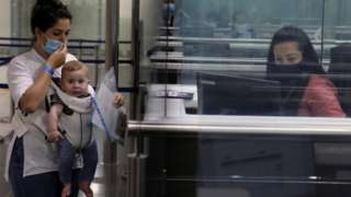 키프로스 라르나카 공항의 출입국 수속