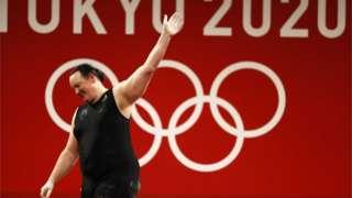 在87公斤以上級女子比賽三次抓舉失敗後,哈伯德的此次奧運征程也宣告結束。