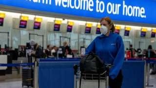 Женщина в лондонском аэропорту