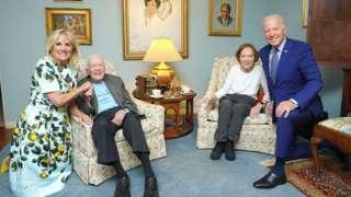 Jill Biden, Jimmy y Rosalynn Carter, y Joe Biden