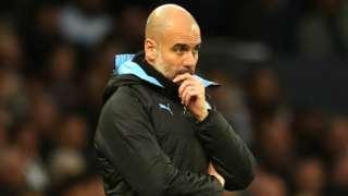 Le patron de Manchester City, Pep Guardiola, semble pensif lors de la défaite en Premier League contre Tottenham