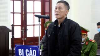 Nhà thơ bất đồng chính kiến Trần Đức Thạch trong phiên sơ thẩm ngày 15/12/2020