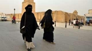 پوشش نقاب از سال ۲۰۱۱ و بعد از سقوط بنعلی بار دیگر به تونس بازگشت