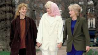 Julia Roberts, Daryl Hannah and Olympia Dukakis on a promotional shoot for Steel Magnolias