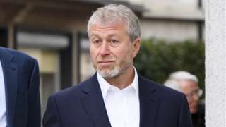 Roman Abramovich arrives for at the District Court of Sarine in Freiburg, Switzerland, 02 May 2018
