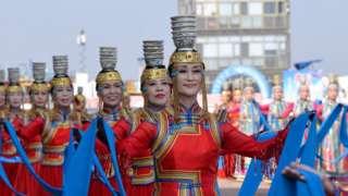 內蒙古的賽牛節開幕