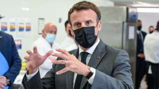 Madaxweyne Emmanuel Macron oo booqasho ku jooga deegaano ku yaalla koonfur bari Faransiiska