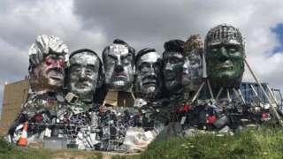 Скульптура лидеров G7