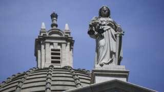香港終審法院大樓上的正義女神泰美斯像