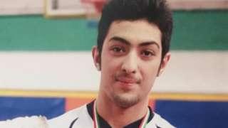 آرمان عبدالعالی در زمان قتل تنها ۷ روز کمتر از ۱۸ سال سن داشته، او اکنون ٢٤ سال دارد