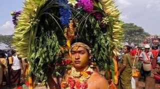 မြန်မာြပည်က တောင်အာရှသားတို့ရဲ့ ရိုးရာပွဲ