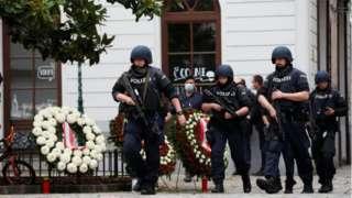 维也纳街头的奥地利武装警察
