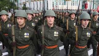 Часть солдат на параде пройдет по Красной площади в гимнастерках, напоминающих форму времен Великой Отечественной