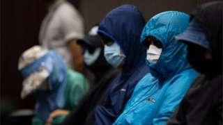被扣留者家属记者会上,多人声泪俱下。