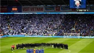 Players observe minute's silence before Cardiff City v Leicester City