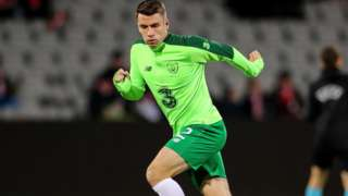 Seamus Coleman warming up
