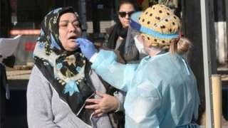 一名婦女在澳大利亞接受檢測