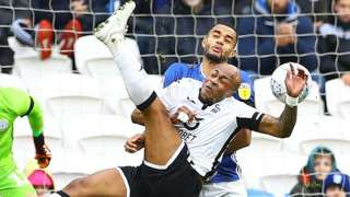 Andre Ayew attempts a bicycle kick