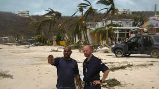 RFA Mounts Bay troops provide aid to people on Anguilla