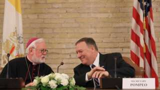 Başpiskopos Paul Gallagher ve Pompeo