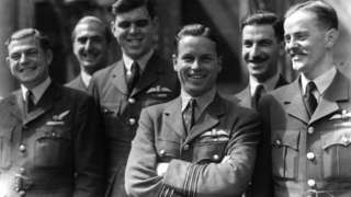 Guy Gibson with members of his squadron