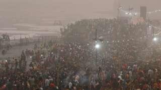 """아르빈드 케즈리왈 델리 지사는 이날 """"델리가 독가스실이 됐다""""며 주의를 당부했다"""