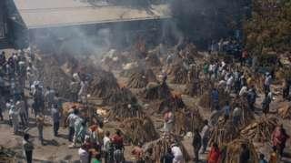 India Cremation: Òkú jíndé nígbà tó ku ìṣẹ́jú péréte ti wọ́n yóò se ètò ìkẹyìn fun