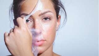 Процедура по чистке лица