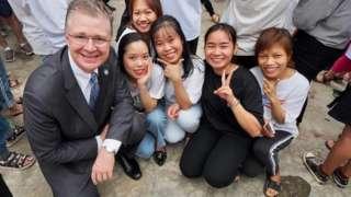 Đại sứ Hoa Kỳ Kritenbrink giao lưu với các bạn học sinh Đà Nẵng