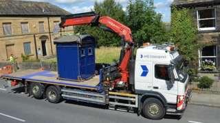 Police box in Almondbury