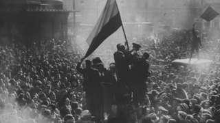 Celebraciones en Madrid tras la proclamación de la II República.