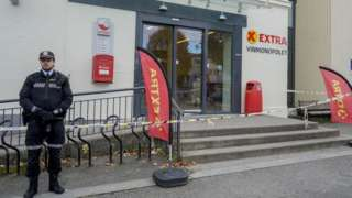 Kongsberg supermarket cordoned off by police, 14 Oct 21