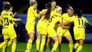 Chelsea celebrating Beth England's goal