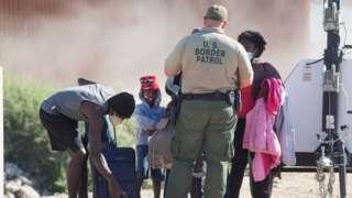 Biden'ın göreve başlamasının ardından Meksika sınırındaki göçmen hareketliliği arttı
