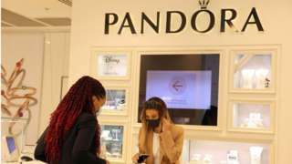 shopping at Pandora Marble Arch store in London