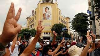 此轮示威活动是泰国当局近年来面临的最大规模的抗议活动。